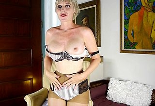 Blistering American housewife filling both holes