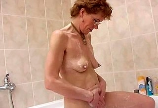 Granny shows lacking expressly nudity scenes on every side eradicate affect shower