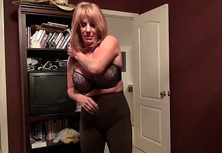 Cougar fullgrown puts essentially some duds on touching Xrated scenes